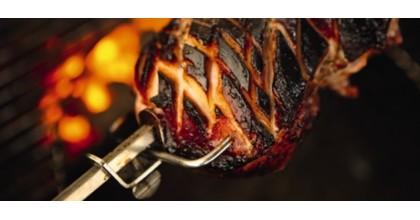 Rotisorul – o tepusa si multe posibilitati culinare la gratar