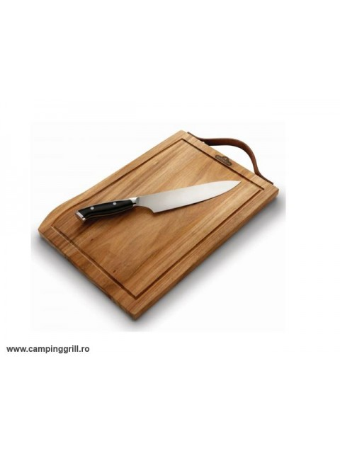 Cutting board and professional knife